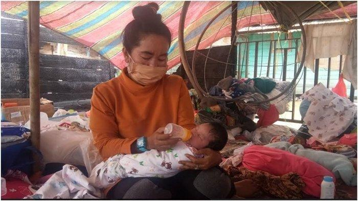 Ibu Meninggal 1 jam Usai  Melahirkan, Bayi Ini Diasuh Bibi di Tenda Pengungsian, Rumah Kebakaran