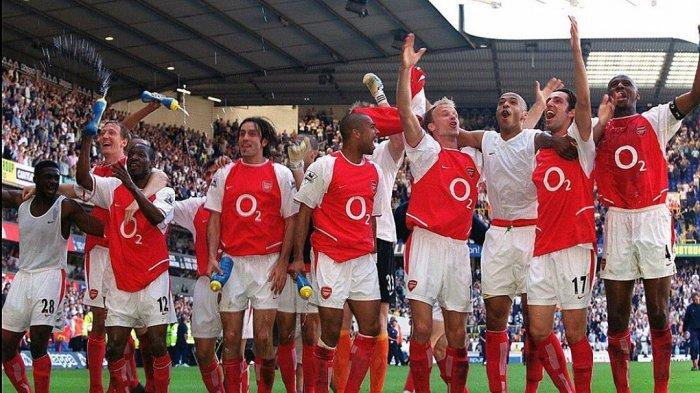 Arsenal berhasil menyegel gelar juara Liga Inggris di White Hart Lane