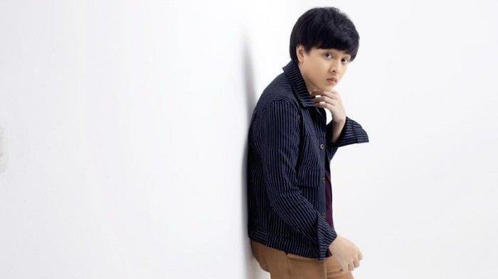 Arsy Widianto Tampil Sendiri di Single Ketiga Project Music Series #ArTiUntukCinta