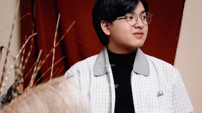 Arsy Widianto Daur Ulang Lagu 'Cerita Cinta' Milik Kahitna