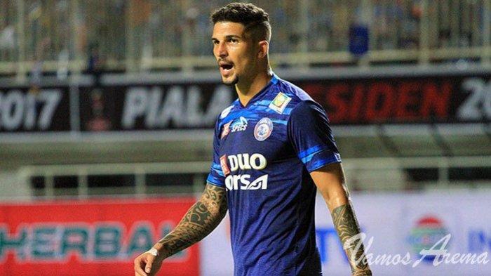 Profil Arthur Cunha, Bek Asal Brasil yang Membela Arema sejak 2017