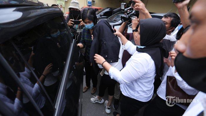 Hana Hanifah Hubungi Muncikari, Dibayar Rp20 Juta Lalu Ditangkap di Medan
