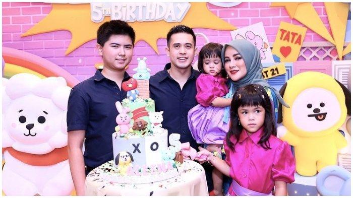 Artis Olla Ramlan merayakan ulang tahun putrinya, Aleena Naira Hana Hutapea.