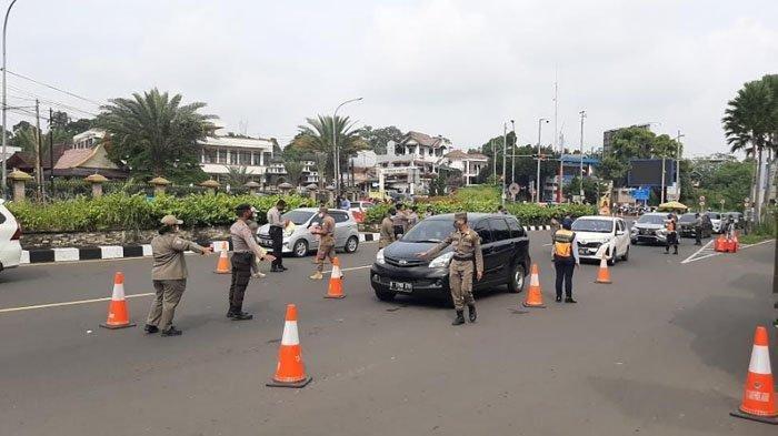 Akhir Pekan 840 Pengendara Mobil Diputar Balik di Simpang Gadog