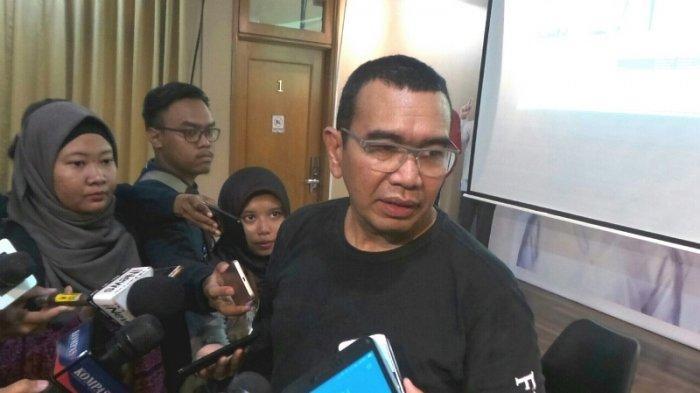 Juru bicara Tim Kampanye Nasional (TKN) Joko Widodo-Ma'ruf Amin, Arya Sinulingga saat ditemui di Posko Cemara, Menteng, Jakarta Pusat, Kamis (16/5/2019).