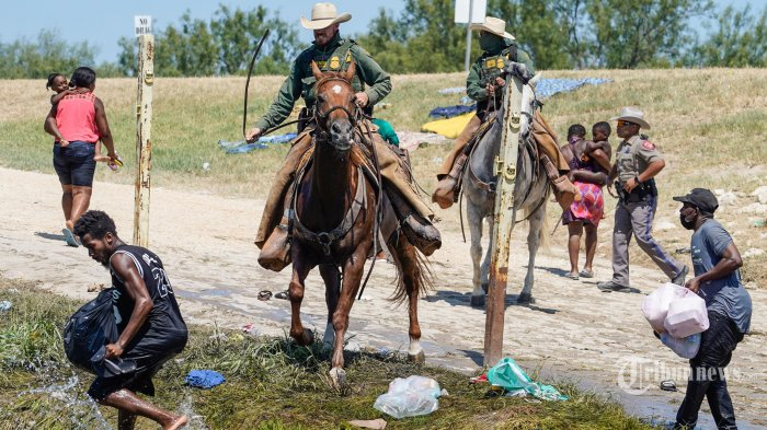 Berita Foto : Melihat Upaya Imigran Haiti Menghindari Deportasi AS - as-deportasi-ribuan-imigran-haiti_20210920_201327.jpg