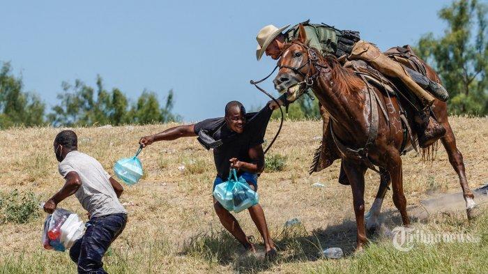 Berita Foto : Melihat Upaya Imigran Haiti Menghindari Deportasi AS - as-deportasi-ribuan-imigran-haiti_20210920_201407.jpg