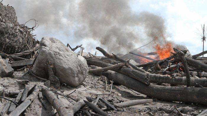 Pengamat Termuda Gemetar saat Gunung Merapi Meletus pada 2010, Kaca dan Pintu Jendela Pos Bergetar