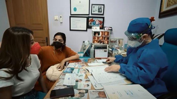 Ashanty dan Aurel Hermansyah konsultasi dokter
