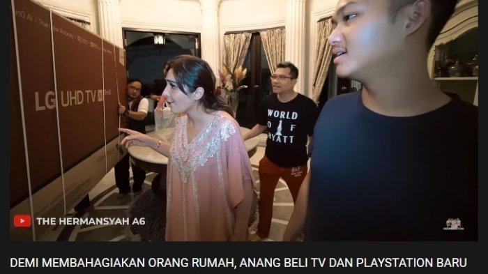 Ashanty heran melihat televisi yang dibeli Anang Hermansyah dan Azriel, diunggah Minggu (22/3/2020).