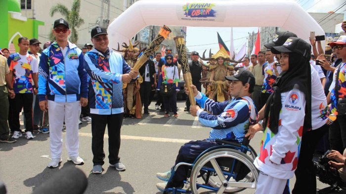 Seremonial Pawai Obor Asian Para Games 2018 di Pangkalpinang