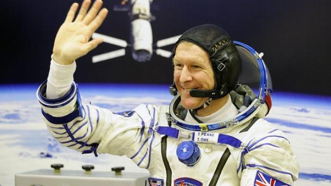 Pulang ke Bumi Setelah Enam Bulan di Luar Angkasa, Astronot Ini Kangen Pizza