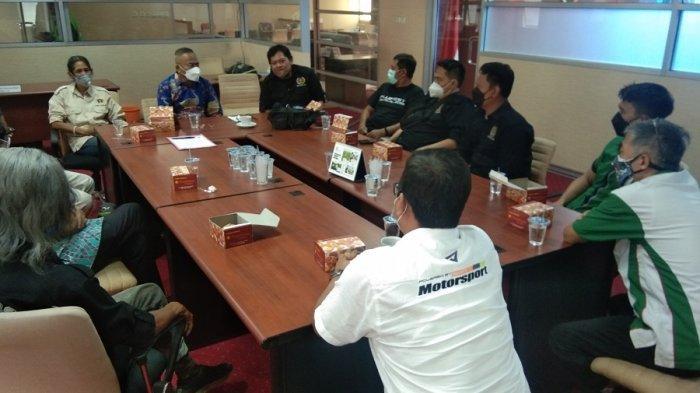 Atal S Depari Dukung Tim Jelajah Kebangsaan Wartawan PWI Keliling Indonesia