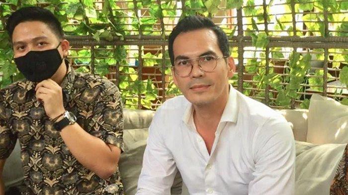 Atalarik Syach bersama tim kuasa hukumnya ditemui di kawasan Pakansari, Cibinong Kabupaten Bogor, Rabu (22/7/2020) - Menurut aktor Atalarik Syah, sang mantan istri, Tsania Marwa mengungkapkan ketidakjujuran terkait gugatan harta gono gini.