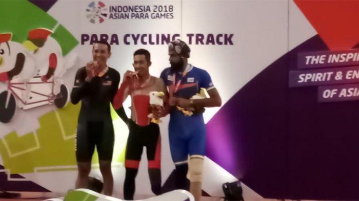 M Fadli Immamuddin Cetak Sejarah Raih Emas Pertama Balap Sepeda