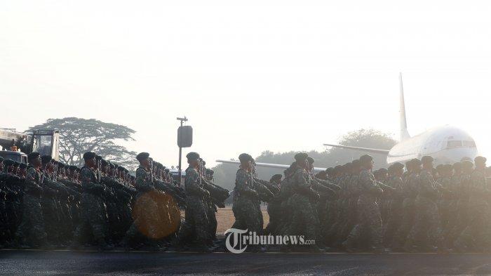 Video Penumpang Kapal Tercebur, 7 Prajurit TNI Langsung Terjun Selamatkan Korban di Tengah Lautan