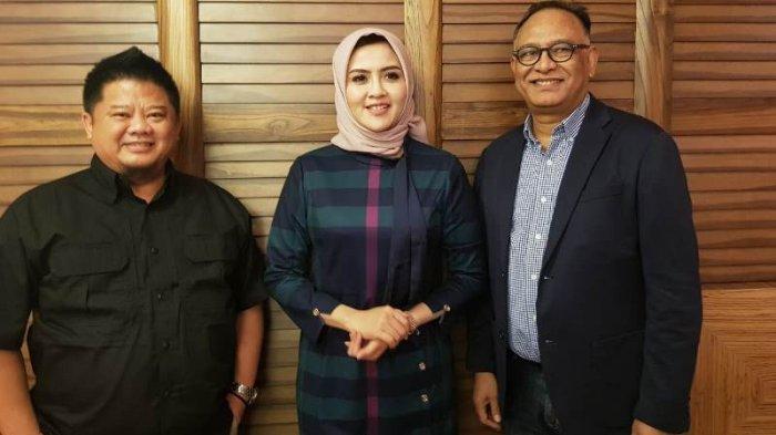 Augie Bunyamin, Nirmala Dewi dan Hasani Abdulgani.