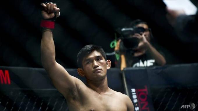 Atlet ONE Championship Aung La N Sang 'Burmese Python' Bela Petarung MMA yang Ditangkap oleh Junta