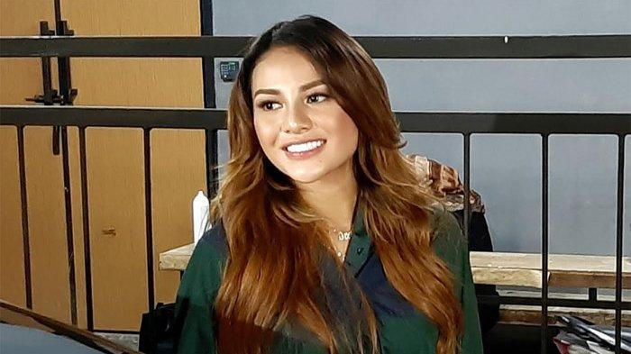 Aurel Hermansyah Tak Menyangka Lagu 'Kepastian' Trending Nomor Satu di Youtube