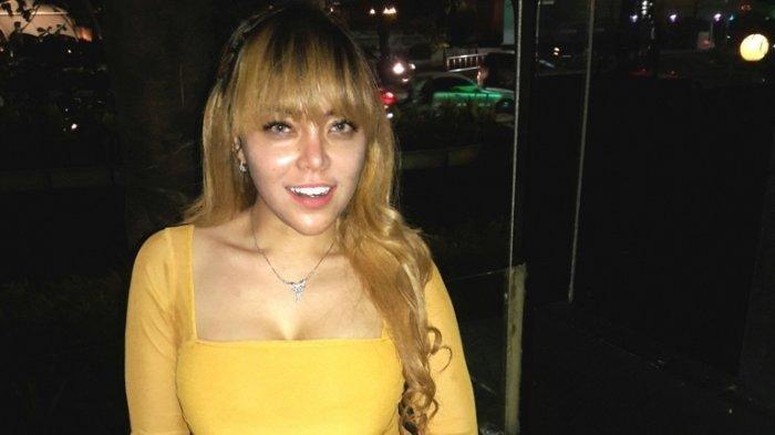 Avriellia Shaqqila saat dijumpai Wartakota dan Tribunnews.com di Plaza Indonesia, Jalan MH Thamrin, Jakarta Pusat, Kamis (31/10/2019) malam. Avriellia Shaqqila pernah ditangkap bersama Vanessa Angel terkait kasus prostitusi online di Surabaya, Jawa Timur, 5 Januari 2019.