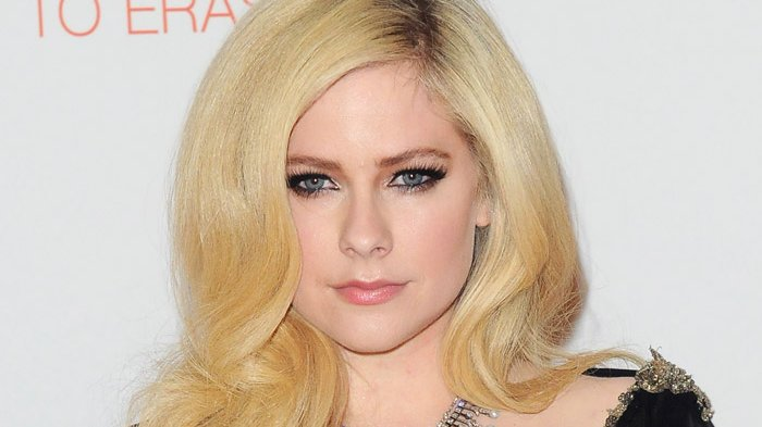 Paling Baru, Chord Gitar Wish You Were Here  Avril Lavigne: What I'd Do To Have You Here, Here, Here