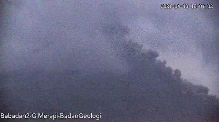 Lava Pijar Gunung Merapi Meluncur 16 Kali, Jarak Luncur Capai 1,5 Kilometer Pagi Ini