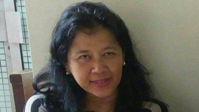 Penulis Awesti Tunggo Ari menceritakan pengalaman pribadi manfaat berlibur bagi keluarga, dan kisah spot baru wisata di Prambanan.