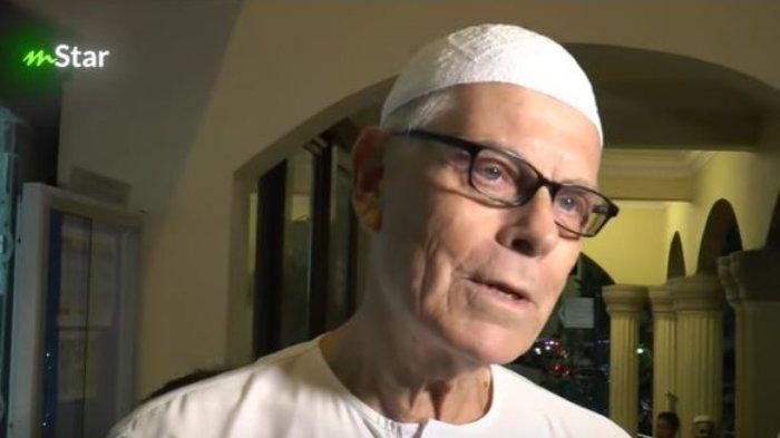 Ayah Ashraf Sinclair, Mohamed Anthony John Sinclair