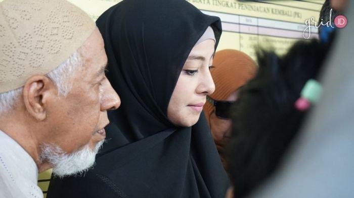 Akui Minta Ustaz Al Habsy Jatuhkan Talak, Putri Aisyah: Tak Pantas untuk Dipertahankan