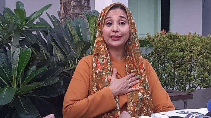 Ayu Azhari ketika ditemui disela-sela launcing kopi 'Khadijah Coffee for Wisdom by Ayu Azhari', di Jalan Kemang Timur, Jakarta Selatan, Rabu (29/1/2020).