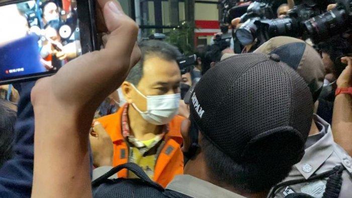 Upaya Jemput Paksa Atas Azis Syamsuddin Dilakukanuntuk Klarifikasi Alasan Dia Jalani Isoman