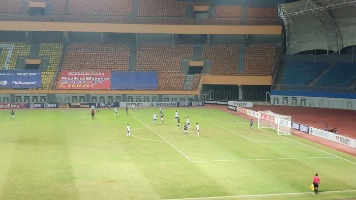 Babak pertama Persib Bandung vs Persikabo 1973 berakhir dengan skor imbang 0-0.