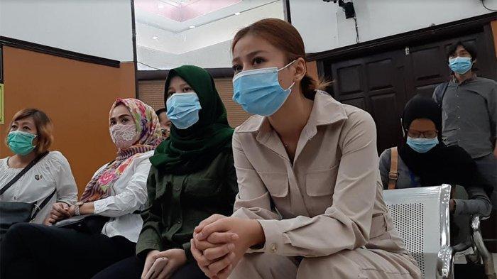 Angel Lelga Ditantang Tunjukkan CCTV Saat Sidang, Adik Vicky Prasetyo Janji Berani Iris Kelingking