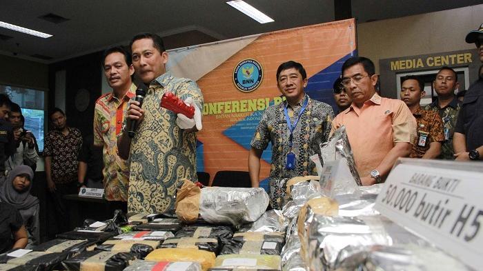 BNN Gagalkan Penyelundupan 39 Kg Sabu dan Ratusan Butir Ekstasi Asal Malaysia