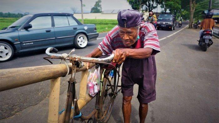Yuk Donasi di Kitabisa.com untuk Bantu Ekonomi Mbah Badri, Kakek Penjual Tangga Bambu Asal Magelang