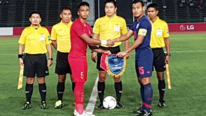 Presiden FA Thailand Salahkan Rumput di Piala AFF U-22 2019