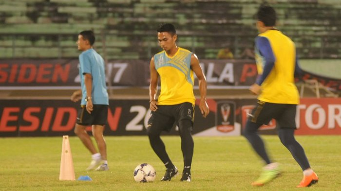 Kondisi Arema FC Seusai Dibekap Persib: Dua Pemain Cedera, Satu Harus Menepi 3 Bulan