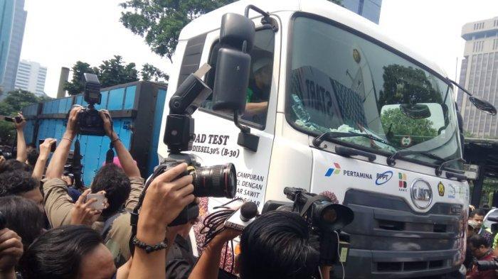 Truk Quester Ikut Ngetes Bahan Bakar B30 Lembang-Tol Cipali-Subang