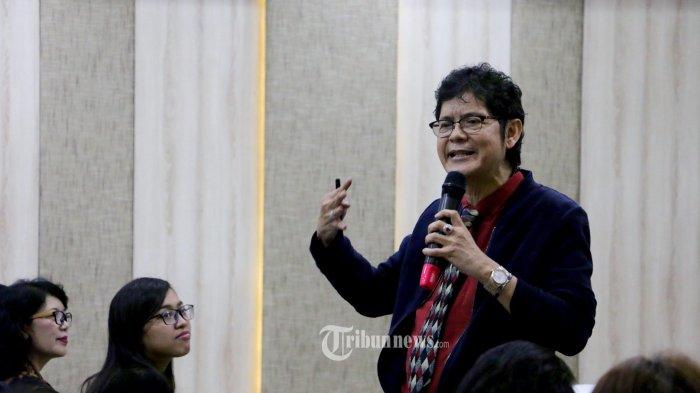 Dokter dan sosiolog Indonesia dr. Boyke saat memberikan materi tentang bahaya Problematika 5G di Hotel Aston Inn Pandanaran Kota Semarang, Sabtu (3/8/2019). (Tribun Jateng/Hermawan Handaka)