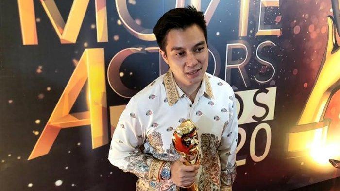 Baim Wong menerima penghargaan tersebut dalam perhelatan IMAA 2020, yang digelar distudio RCTI Plus, Kebon Jeruk, Jakarta Barat, Sabtu (25/7/2020) malam.