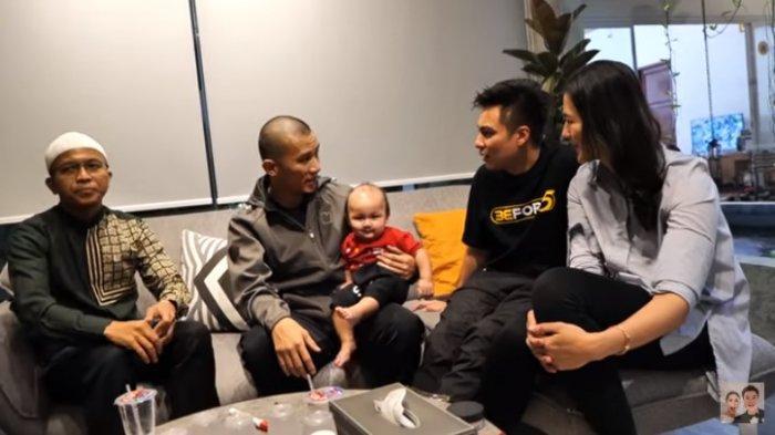 Ustaz Fatih Karim Usul Ustaz Felix Siauw Hadiahkan Nama Chinese untuk Kiano, Baim Wong: Lucu Juga Ya