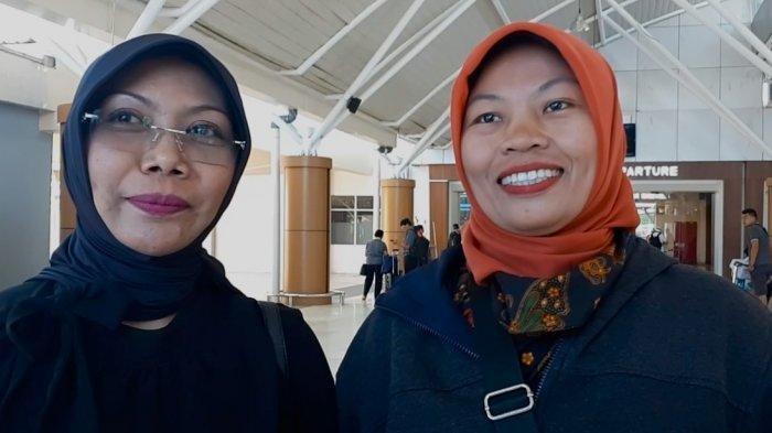 Baiq Nuril bersama Ketua Lembaga Perlindungan Anak Kota Mataram Nyanyu Ernawati - Kompas Ismail Zakaria