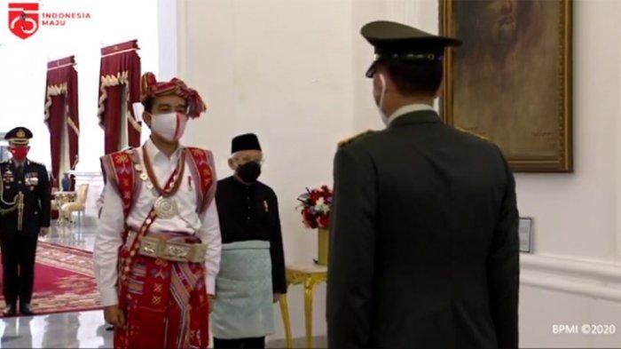Penuh Makna, Ini Filosofi Baju Adat Timor Tengah Selatan yang Dikenakan Jokowi pada Upacara Bendera