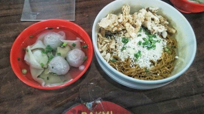 Padat Dan Kenyal Mi Di Kedai Bakmi Apin Favorit Baru Kuliner Mi Di Bandung Tribunnews Com Mobile
