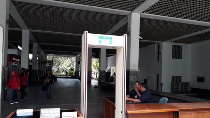 Pelantikan Anies-Sandi, Ratusan Petugas Keamanan Dikerahkan Amankan Balai Kota