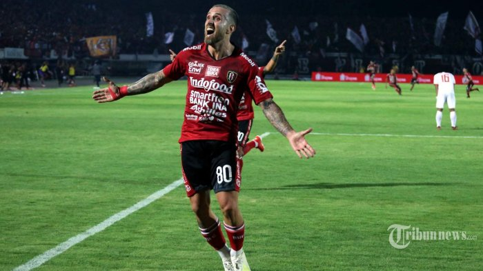 Pemain Bali United, Paulo Sergio merayakan golnya ke gawang Persija Jakarta dalam laga lanjutan Liga 1 2019 di Stadion Kapten I Wayan Dipta, Gianyar, Bali, Jumat (31/5/2019) malam. Bali United berhasil memenangi pertandingan dengan skor 1-0. Tribun Bali/Mahayasa