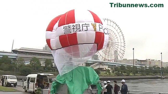 Kepolisian Metropolitan Tokyo Gunakan Balon Udara Pantau Keamanan di Lokasi Kompetisi Olimpiade