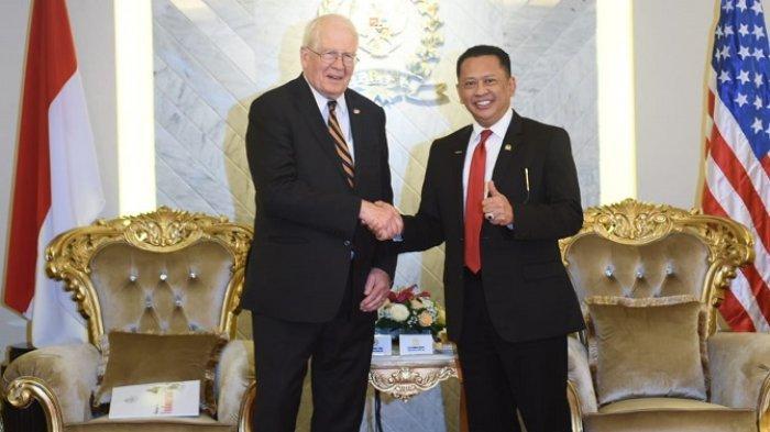 Ketua DPR RI saat menerima kunjungan delegasi House Democratic Partnership, United States House of Representatives (US HDP), di Ruang Kerja Ketua DPR RI, Jakarta, Rabu (31/7/2019)