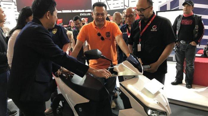 Polemik Lelang Motor Listrik Jokowi, Bamsoet: Saya yang Patut Disalahkan