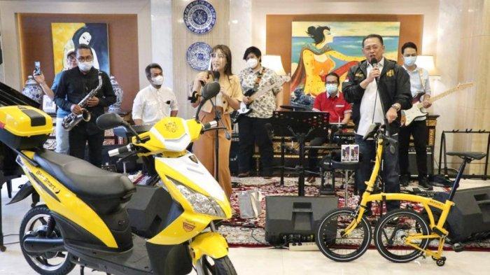 Bamsoet Bersama Ayu Dewi Undi Give Away Sosialisasi 4 Pilar MPR RI Putaran Ke-18